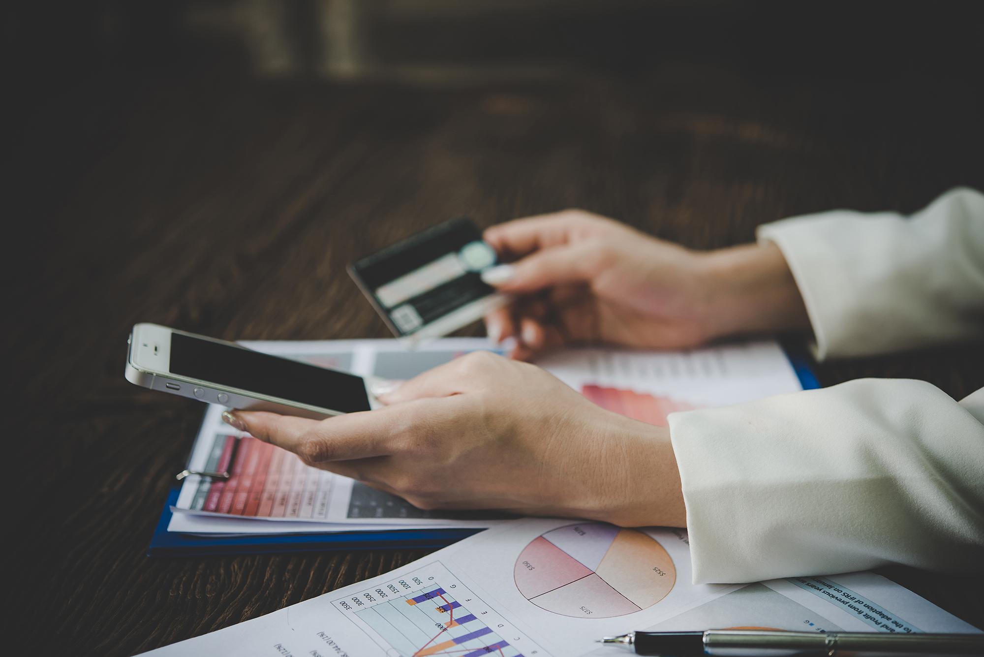 """Las peores 3 tarjetas de crédito según la """"Condusef"""""""